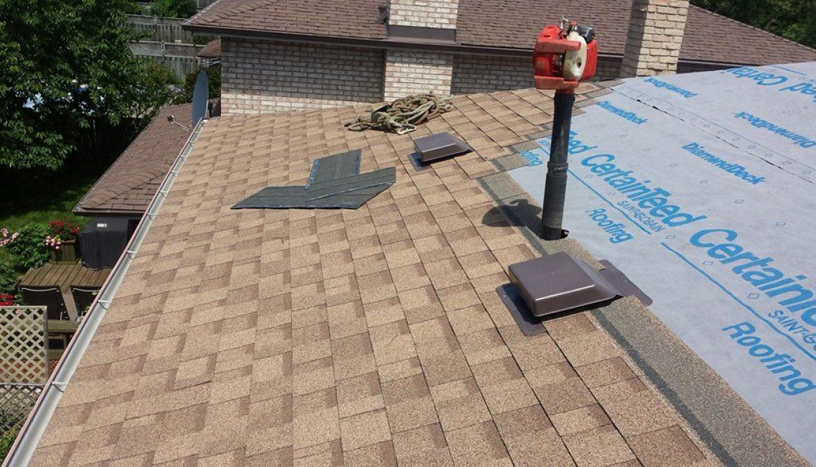 Asphalt shingle roof Oakville